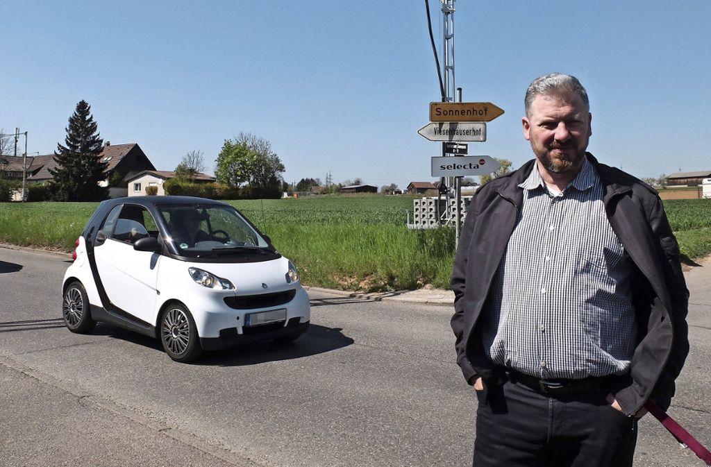 Anwohner Stefan Betsch hofft auf eine gute Verkehrslösung, wenn auf der Freifläche beim Weidenbrunnen das Wohngebiet Schafhaus realisiert wird. Foto: Iris Frey