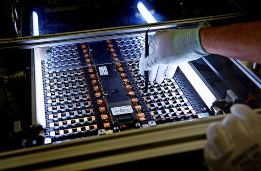 Daimler baut zwei neue Batteriefabriken