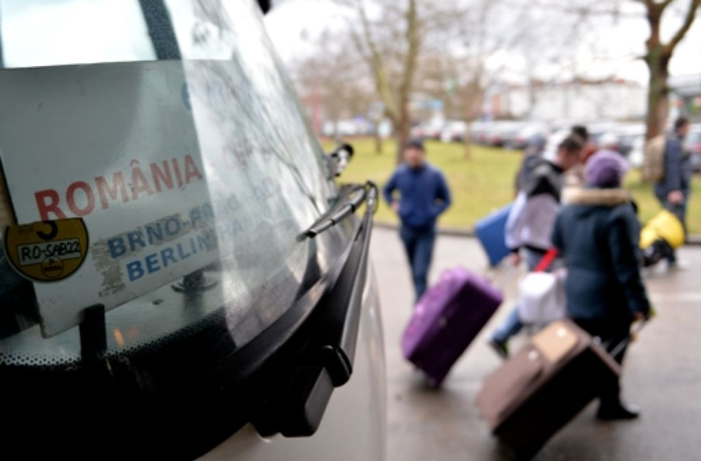 Zielpunkt Berlin: Fahrgäste aus Rumänien kommen  in der Hauptstadt an. Foto: dpa
