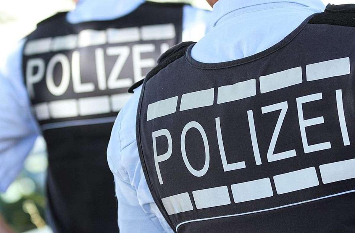 Die Polizei sucht nach dem Überfall in Stuttgart-Vaihingen Zeugen. Foto: dpa