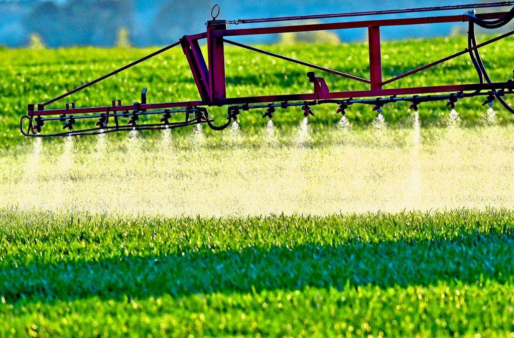 Der Einsatz des Herbizids Glyphosat ist auch in Stuttgart hoch umstritten. Foto: dpa-Zentralbild