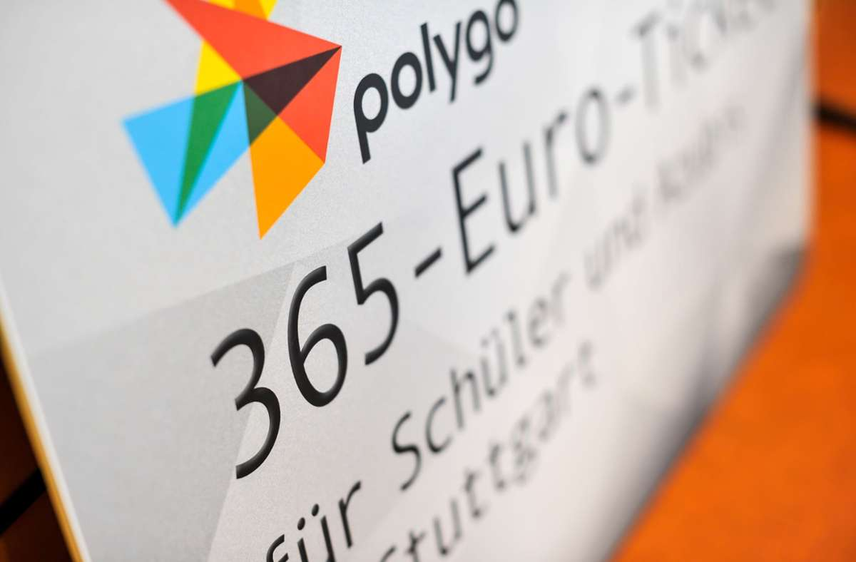 Ab 1. September gilt das Angebot für Stuttgarter Schüler und Azubis: für einen Euro pro Tag können die Busse und Bahnen im gesamten VVS-Gebiet genutzt werden. Foto: Lichtgut/Max Kovalenko