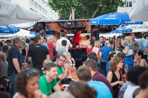 Henkersfest lockt die Massen auf den Stuttgarter Wilhelmsplatz