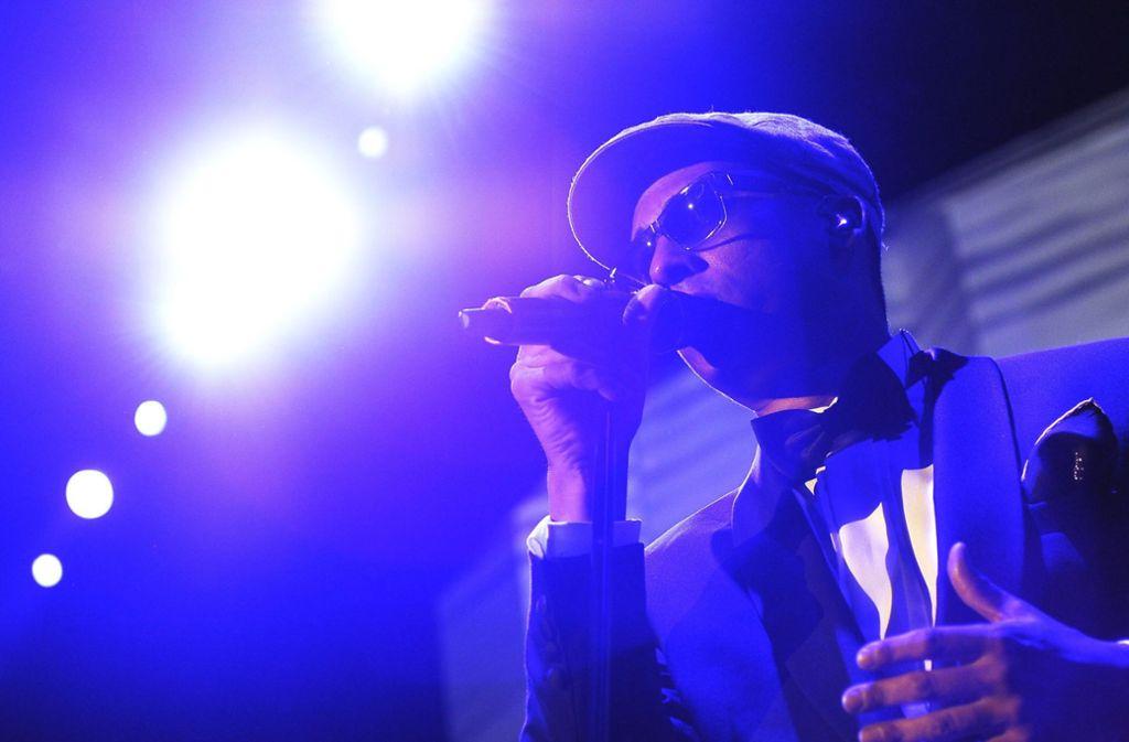 Einige Kommunen möchten nicht, dass Sänger Xavier Naidoo bei ihnen auftritt – andere sehen seine Konzerte weniger kritisch. Foto: dpa/Steffen Schmidt
