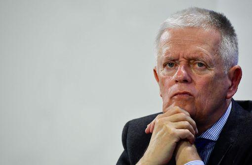 Kuhn kritisiert deutsche Autobauer