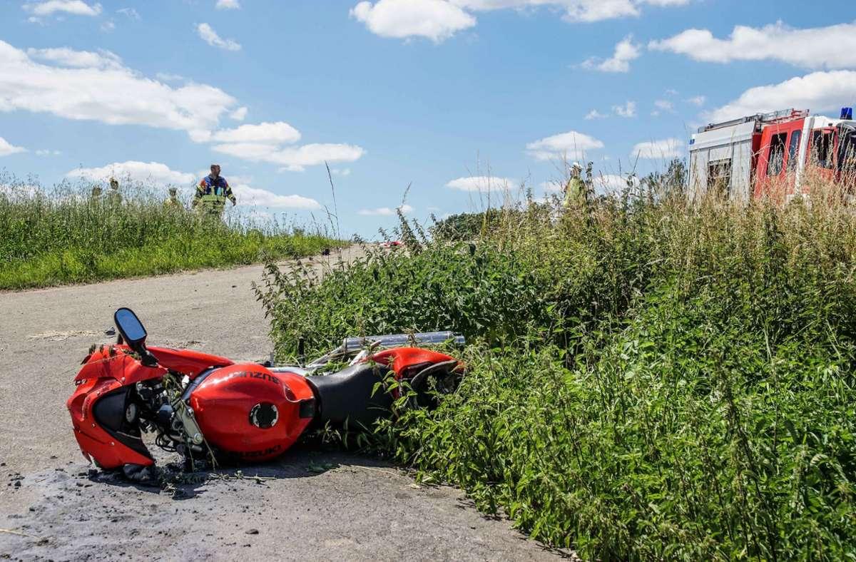 Bei dem Unfall wurde der Biker schwer verletzt ... Foto: SDMG