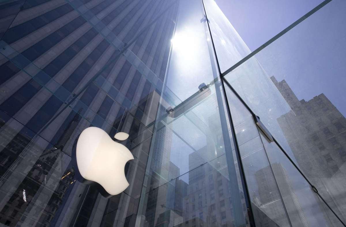 Apple-Fans auf der ganzen Welt warten schon auf das neue iPhone-Modell. Foto: AP/Mark Lennihan
