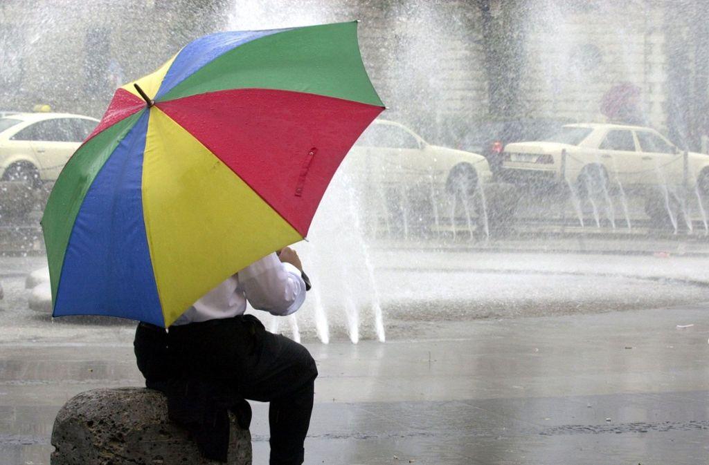 Das Sturmtief Friederike bringt Regen und viel Wind (Symbolbild). Foto: dpa