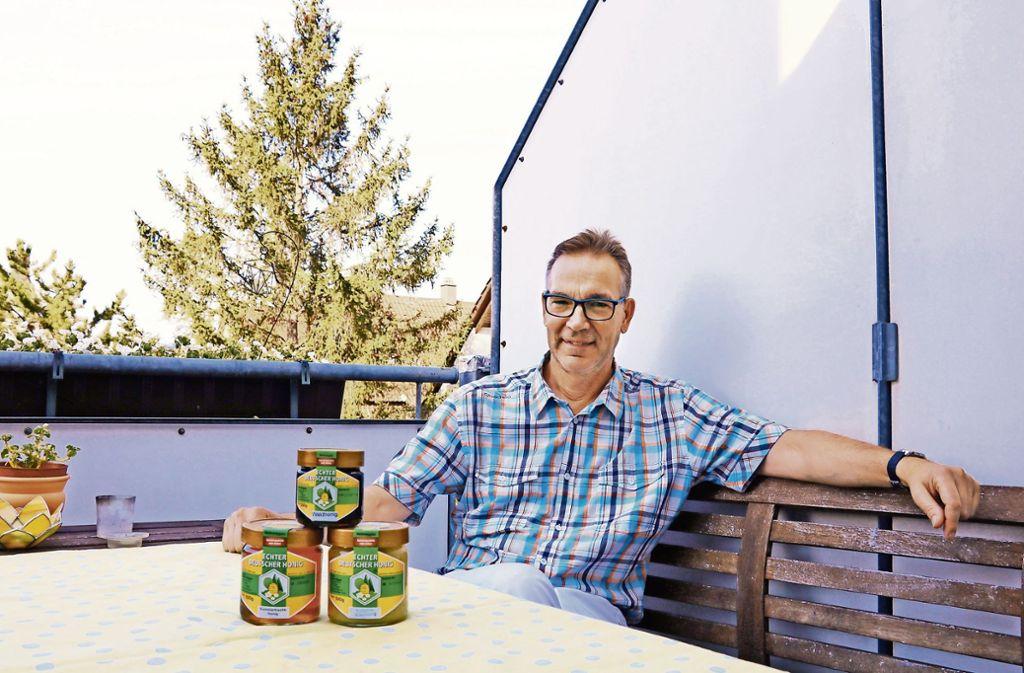 Hobbyimker Manfred Hägele nutzt das Portal, um seinen lokalen Honig in der Nachbarschaft anzubieten und bekannt zu machen. Foto: Marta Popowska