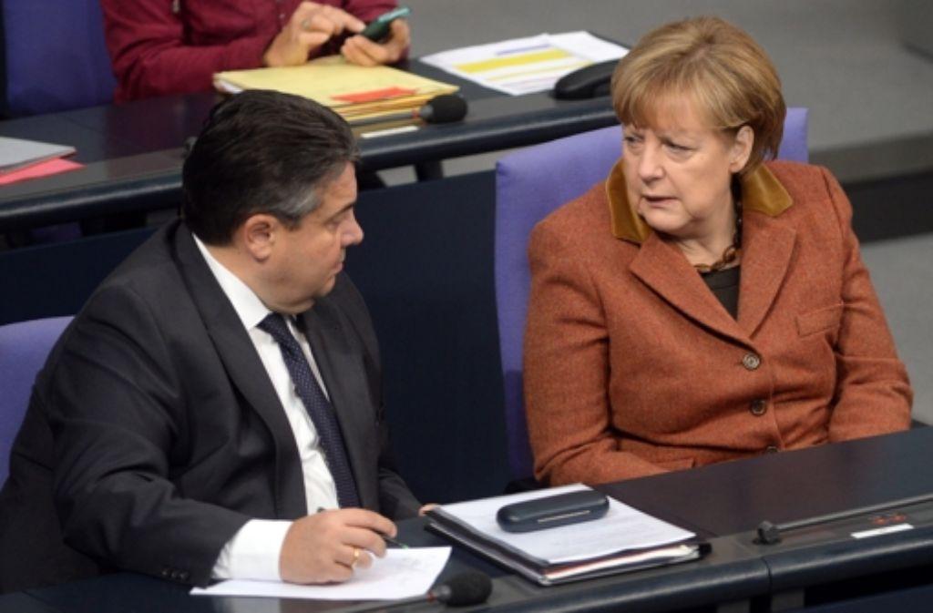 Schlechte Stimmung zwischen Bundeskanzlerin Angela Merkel und ihrem Vize Sigmar Gabriel Foto: dpa
