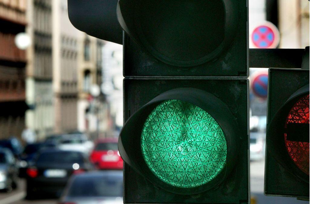Die Grünen fordern die  grüne Welle nicht für Autos, sondern für Stadtbahnen. Foto: Achim Zweygarth