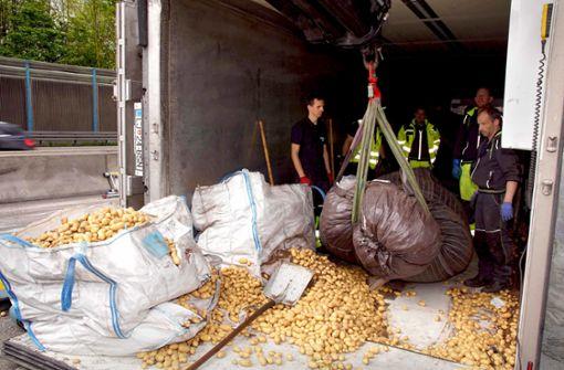 Chaos wegen Kartoffelernte auf der Autobahn