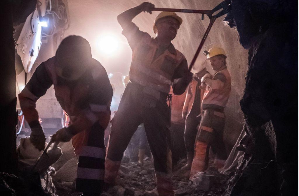 An diesem Dienstag werden die Mineure mit dem Tunnel Feuerbach in der Innenstadt ankommen. Die Feier nutzen S-21-Gegner für harsche Kritik. Foto: Lichtgut/Achim Zweygarth