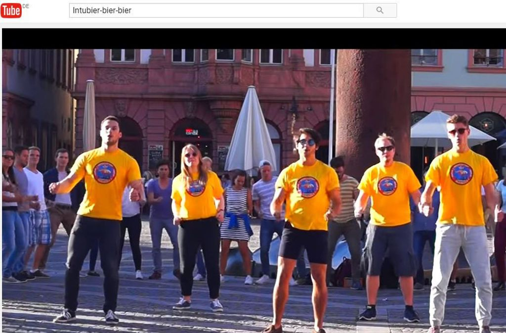 """Medizinstudenten aus Mainz haben mit ihrem Song """"Medicopter Mainz17"""" auf Youtube einen Hit gelandet. Foto: Youtube/Medimaister Mainz"""