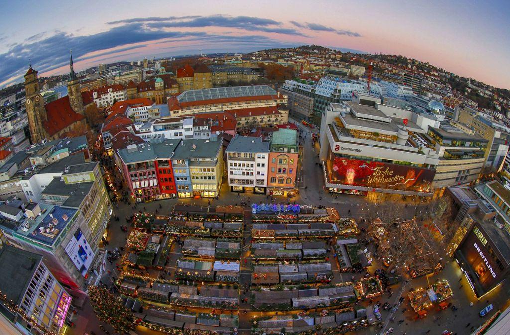 Blick auf den Stuttgarter Weihnachtsmarkt Foto: Lichtgut/Leif Piechowski