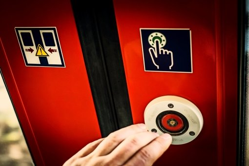 Wegen einer sexuellen Belästigung in einer S-Bahn ermittelt die Polizei in Ludwigsburg (Symbolbild). Foto: Lichtgut/Max Kovalenko