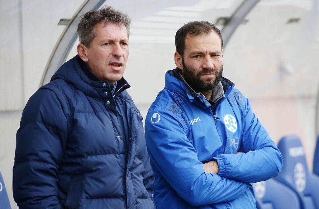 Setzen auf die Weiterentwicklung der Kickers-Mannschaft: Der Sportliche Leiter Martin Braun (li.) und Trainer Tobias Flitsch. Foto: Baumann