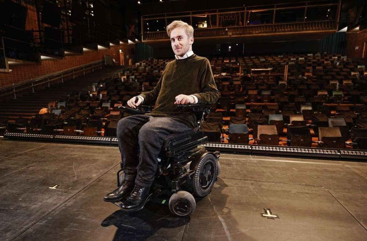 """Vor zehn Jahren hatte sich Samuel Koch bei einem Unfalls bei """"Wetten, dass..?"""" verletzt und ist seither querschnittsgelähmt. Foto: dpa/Uwe Anspach"""