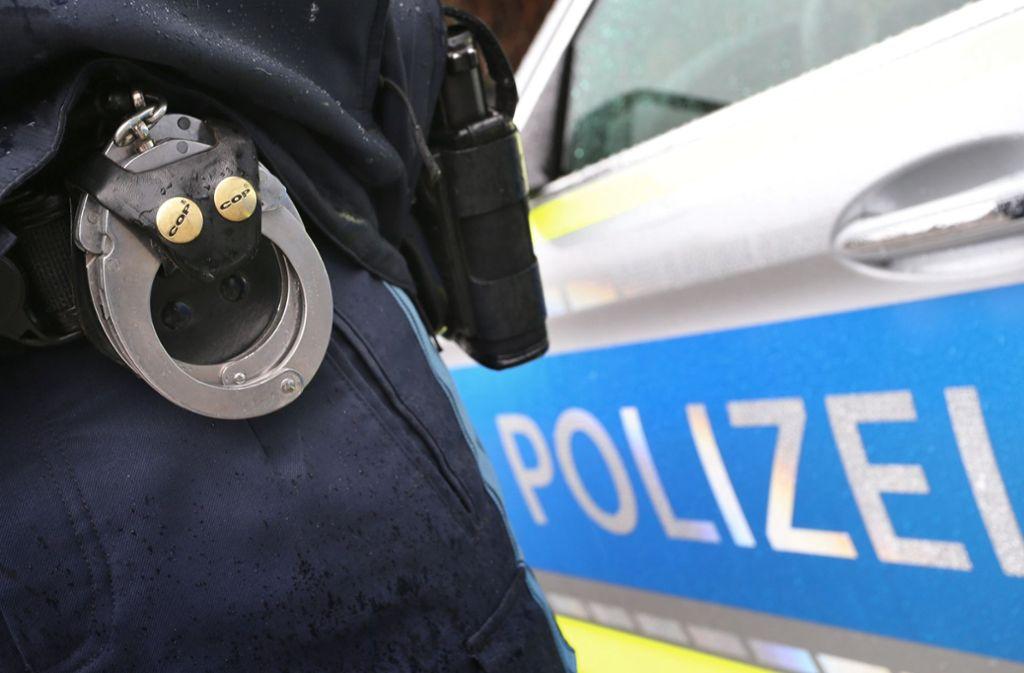Die Polizei nahm den Mann fest. (Symbolbild) Foto: dpa/Karl-Josef Hildenbrand