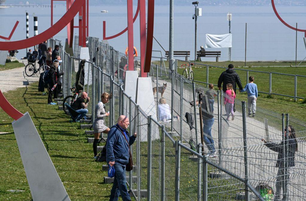 Der Grenzzaun geriet bundesweit in die Schlagzeilen. Foto: dpa/Felix Kästle