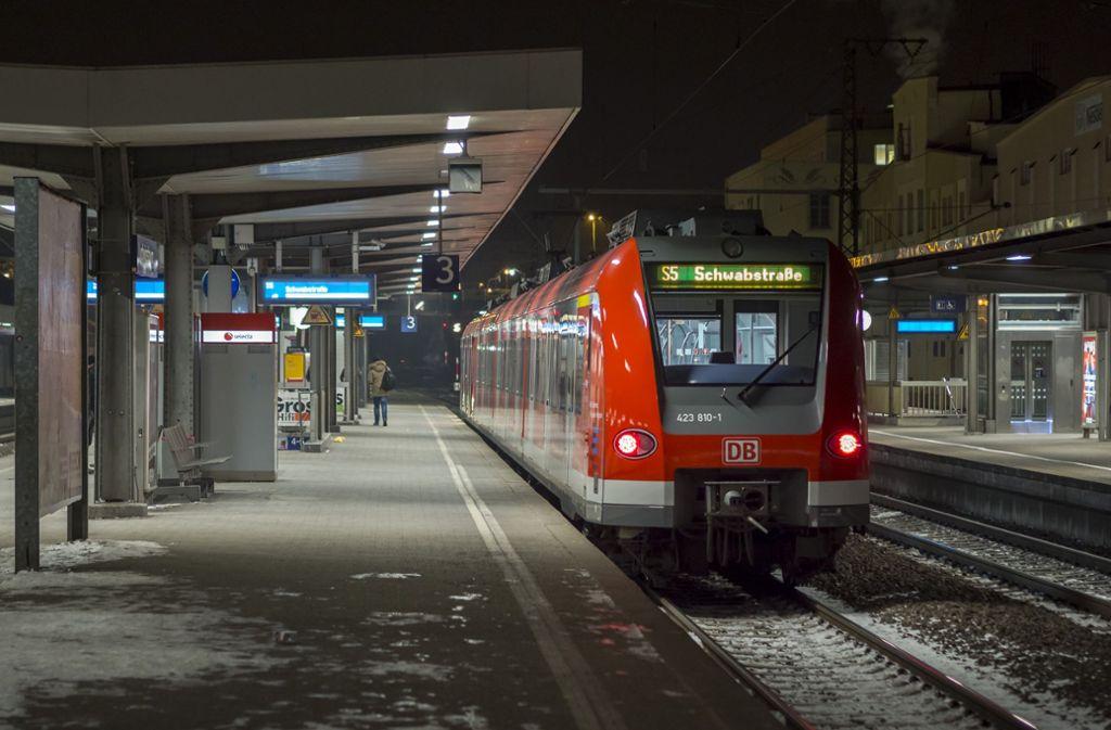 Die Bundespolizei nahm zwei der Täter am Bahnhof in Ludwigsburg fest. (Symbolbild) Foto: factum/Weise