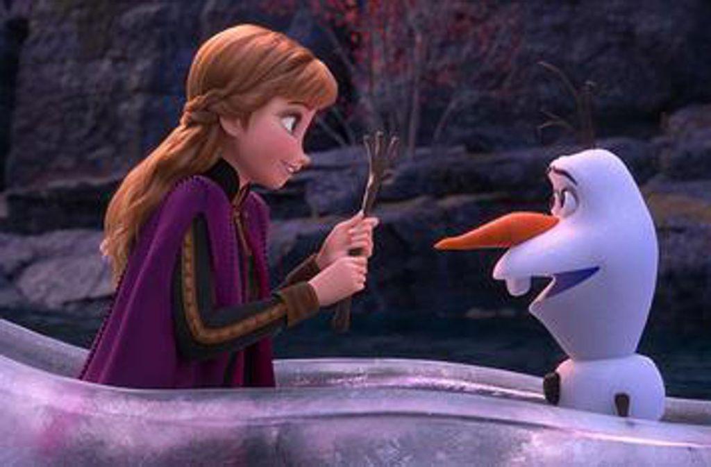 Eiskönigin Elsa und ihr Freund Olaf, der Schneemann. Foto: