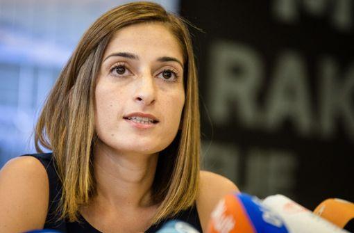 Verhandlung  gegen Journalistin wird auf Oktober vertagt