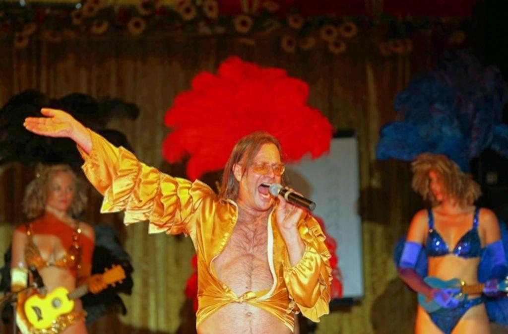 Michael Gaedt rockt die Bühne. Foto: Achim Zweygarth
