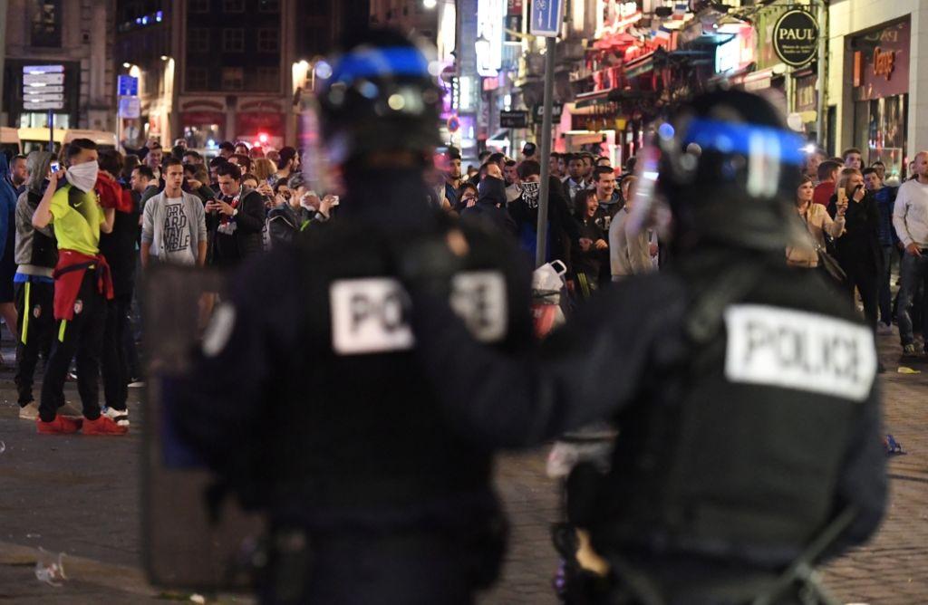 Hohes Gewaltpotenzial: Hooligans bei der Fußball-EM in Lille. Foto: dpa