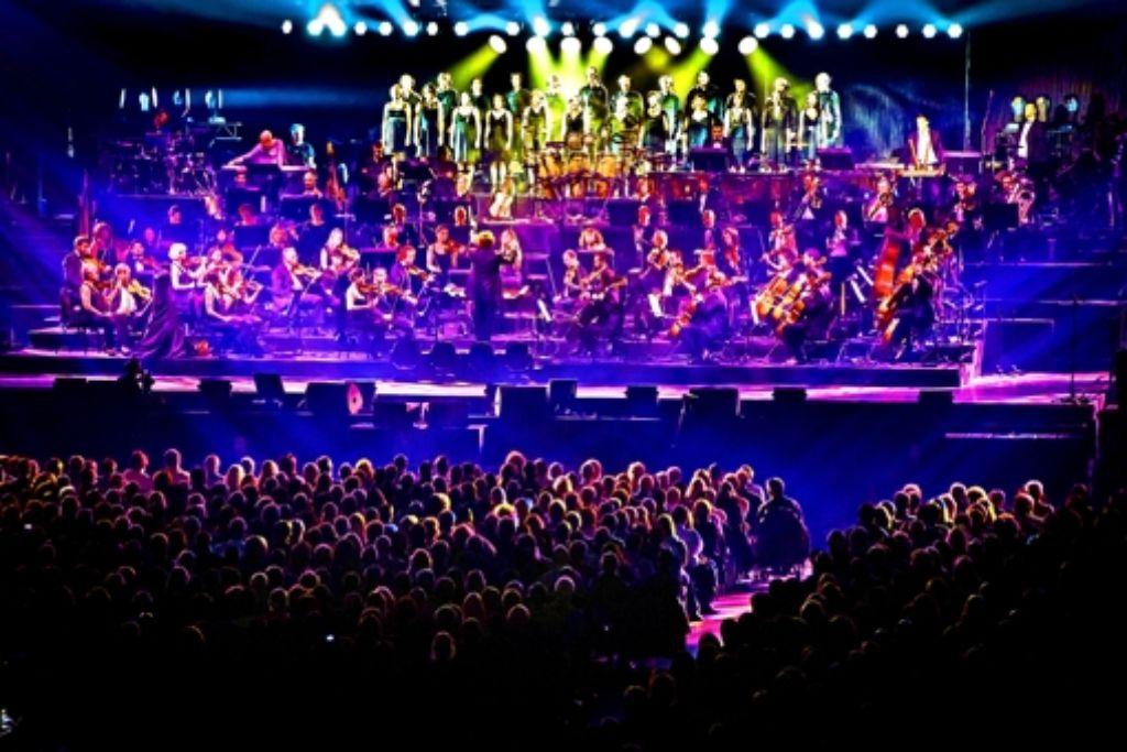 Das Orchester Il Novecento legt den Klangteppich für die Popstars aus. Foto: Lg/Achim Zweygarth