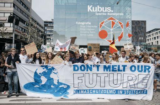 Tausende Menschen demonstrieren für mehr Klimaschutz