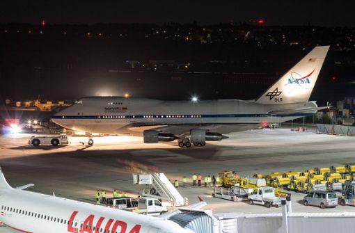 """Die """"fliegenden Sternwarte"""" ist am Flughafen Stuttgart angekommen"""