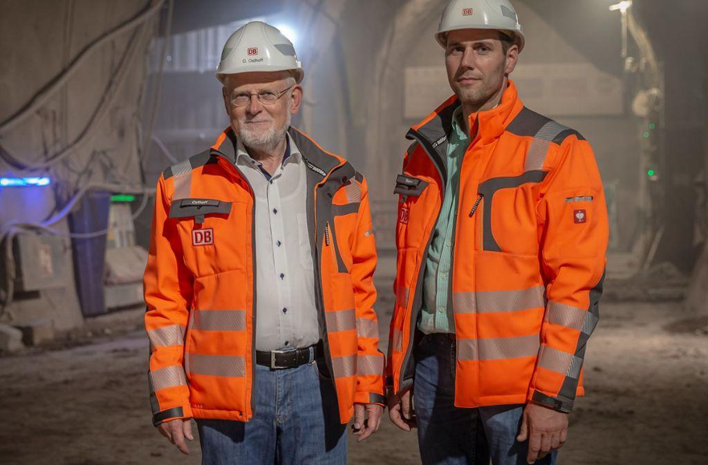 Günter Osthoff und Thomas Berner sind mit dem Fildertunnel durch und auf den letzten Metern zum Hauptbahnhof. Bald wollen sie Licht sehen. Foto: Lichtgut/Julian Rettig