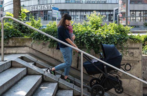 Eltern organisieren erste Critical Mass der Kinderwagen