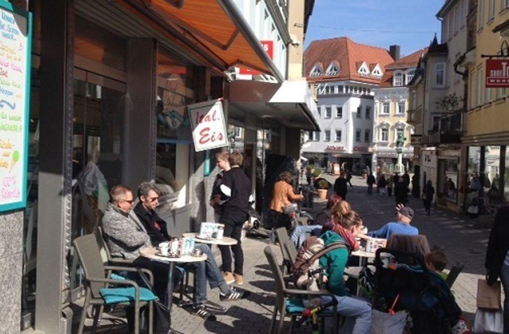 f999f62941330a ... Außengastronomie in Esslingen Neuer Biergarten lockt an den  Neckarkanal. Im Eiscafé Dolomiti gibt s nicht nur selbstgemachte Eissorten