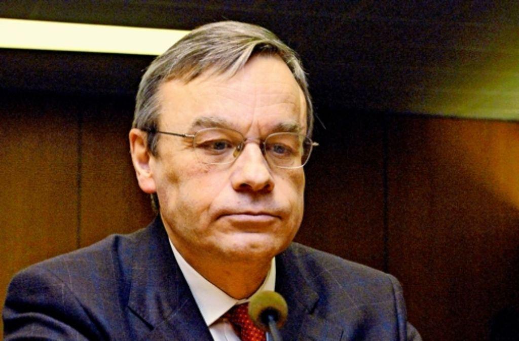 15 Seiten Begründung fürs Nichtermitteln: Oberstaatsanwalt Bernhard Häußler. Foto: dpa