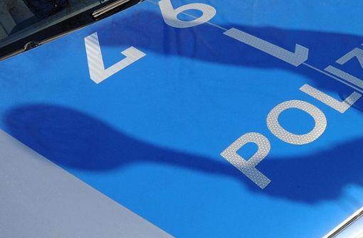 VW-Golf-Fahrer flüchtet nach Unfall