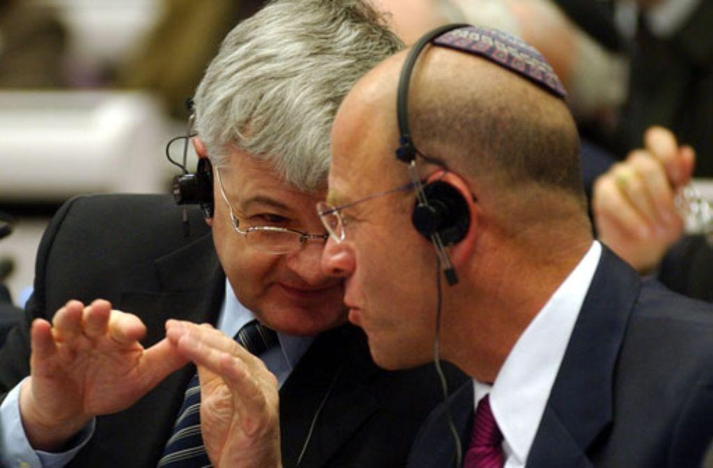 Der langjährige israelische Parlamentssprecher Avraham Burg (rechts), hier mit dem ehemaligen Außenminister Joschka Fischer. Foto: apn