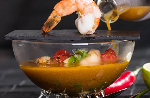 Tom Yam Gai - Scharfe, saure Kokossuppe