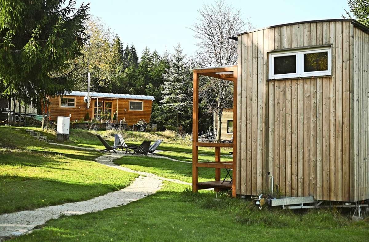 Mini-Häuser sind auch in Deutschland im Kommen. Im Fichtelgebirge wurde jüngst das bundesweit erste Tiny-Haus-Dorf eingeweiht. Foto: dpa/Nicolas Armer
