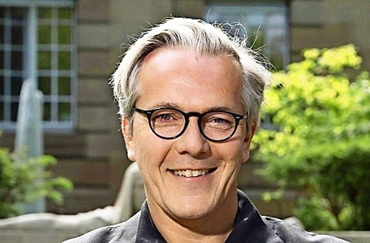Marc-Oliver Hendriks leitet auch in Zukunft die Geschicke des größten Dreispartenhauses Europas. Foto: Staatstheater