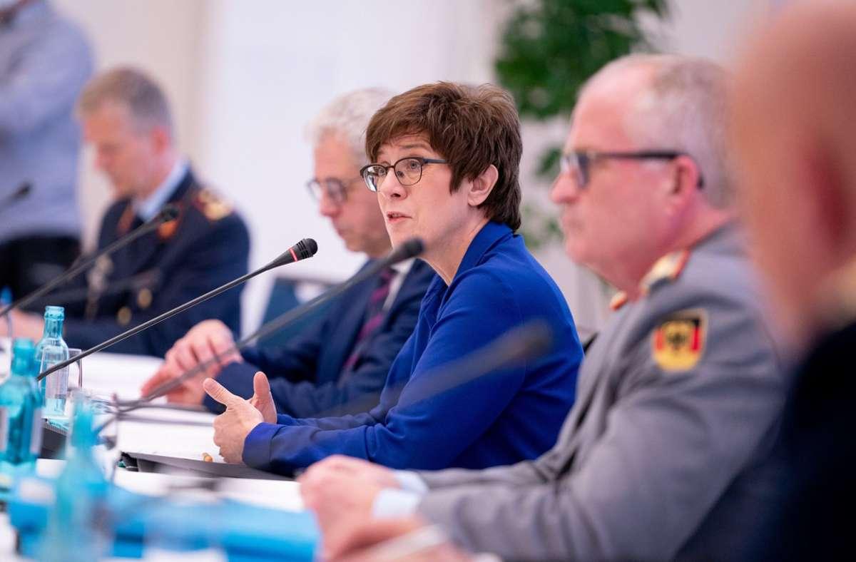 Verteidigungsministerin Annegret Kramp-Karrenbauer. Foto: dpa/Kay Nietfeld