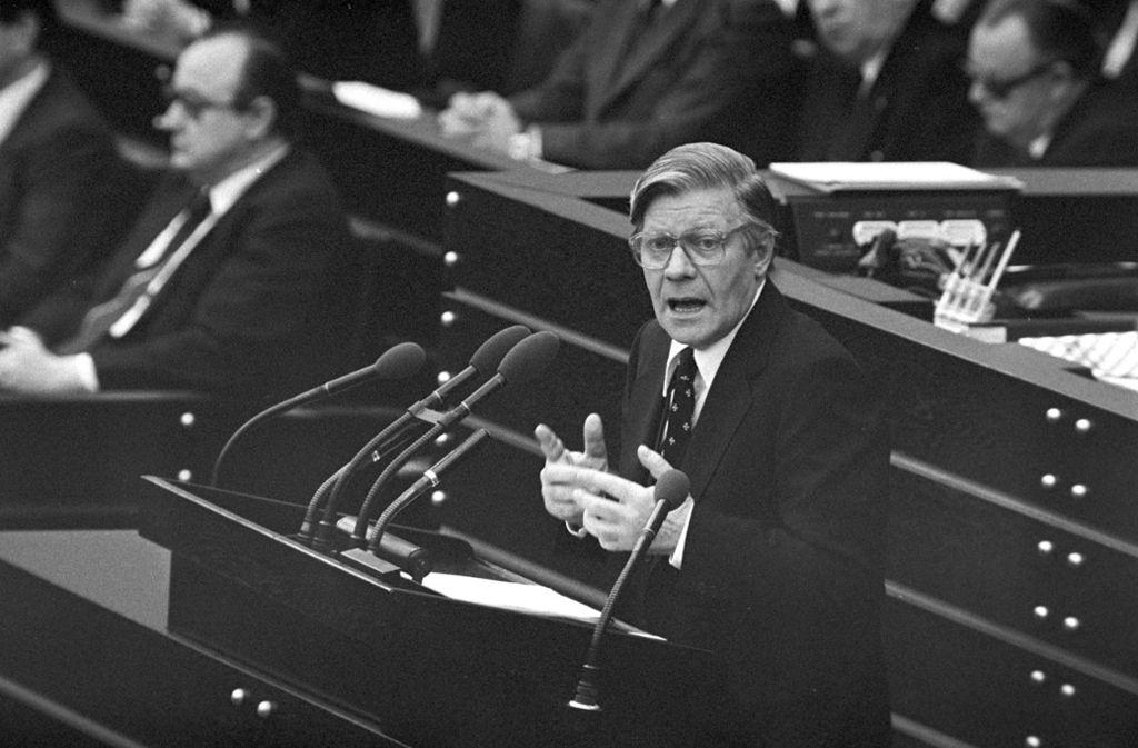Helmut Schmidt war nie Parteivorsitzender – am Ende seiner Regierungszeit fühlte er sich von der SPD im Stich gelassen Foto: dpa
