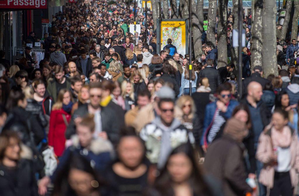 Die Einwohnerzahl in Baden-Württemberg erreicht einen neuen Höchststand. Foto: Marijan Murat/dpa