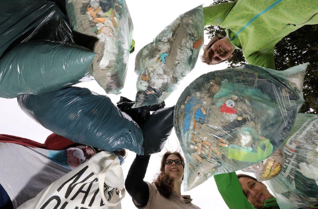 Tonnen von Plastik: An Nord- und Ostseeküste haben Freiwillige in den vergangenen Wochen Müll gesammelt. Foto: dpa