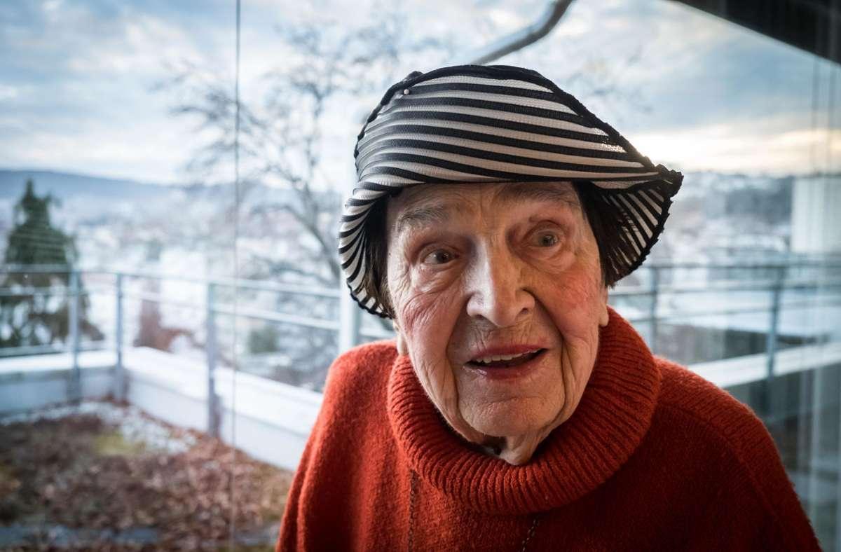 Η Άννι Γουίγκαντ, η μεγάλη κυρία της κουκλοθέατρου, ήταν 100 ετών.  Η ιδρυτής του θεάτρου La Plapper Papp στα δυτικά της Στουτγκάρδης πέθανε τον Ιούνιο του 2020. Μέρος του έργου της ζωής του ζει στο μουσείο της πόλης: οι μαριονέτες της, που τείνουν να είναι υπερβολικά μεγάλες, φυλάσσονται στο παλάτι της πόλης.  Φωτογραφία: Lichtgut / Achim Zweygarth