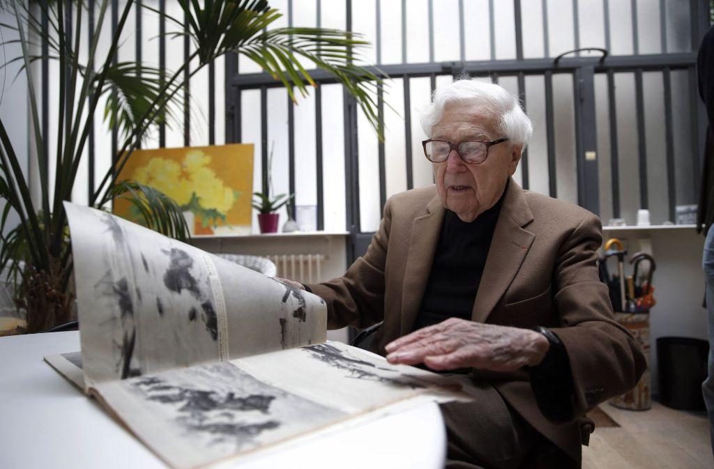 Der US-amerikanische Fotoredakteur John G. Morris ist tot (Archivbild). Foto: AP
