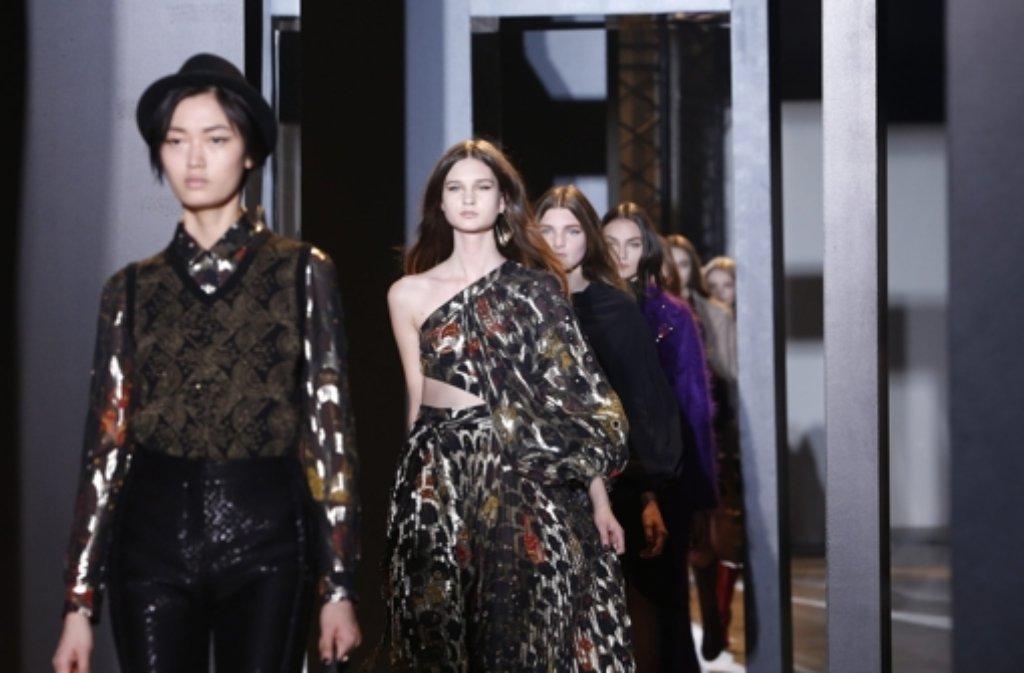Viel los bei der Paris Fashion Week. Hier: Bill Gaytten für John Galliano. Foto: EPA