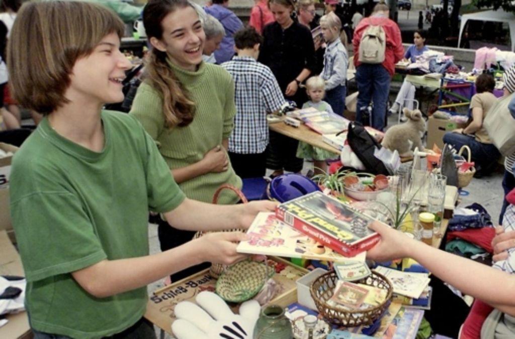 Der Erlös des Flohmarktes kommt zum Teil gemeinnützigen Zwecken zugute. Foto: Steinert