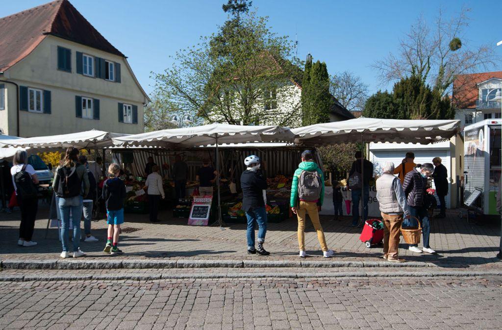 Entspannte Kunden auf  dem Wochenmarkt in Stuttgart-Degerloch. Foto: Lichtgut/Leif-Hendrik Piechowski